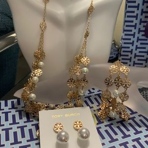 Tory Burch pearl logo necklace SET